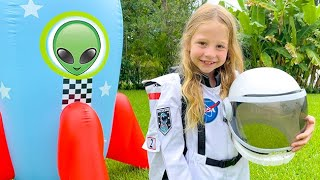 Download Nastya flies to aliens to learn about space.