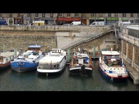 Paris ; Bassin de l'Arsenal ; La Bastille ; Métro ; Port de plaisance ; France