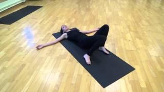 """Йогатерапия позвоночника. Урок 1. Комплекс упражнений """"Крокодил"""""""