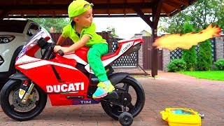 Little BIKER and his motorcycle. Улетел на своем мотоцикле.