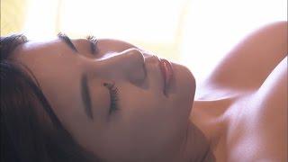 Cette belle jeune fille qui voudrait massage