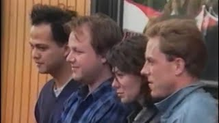 Pixies - On The Road (Backstage 1988)