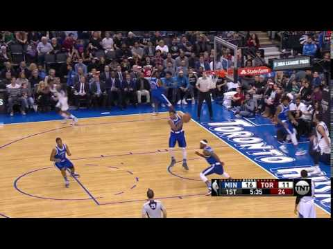 Ricky Rubio misses the open layup - Minnesota Timberwolves vs. Toronto Raptors - NBA 08/12/2016