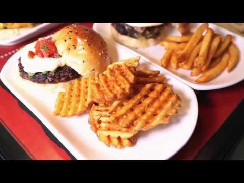 Video: Bistro Burger Shanghai, Film by RECQUIXIT