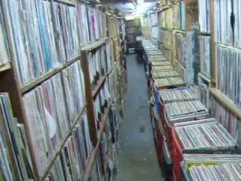 the-thing-brooklyn-new-york-record-vinyl-2nd-hand-shop-RTC.AVI
