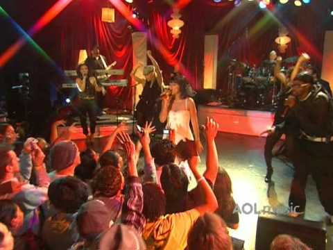 Nelly Furtado - No Hay Igual (Live at the Roxy)