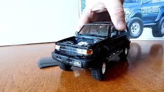 Обзор на модель автомобиля Toyota Land Cruser 80 в масштабе 1:24 от фирмы TAMIYA