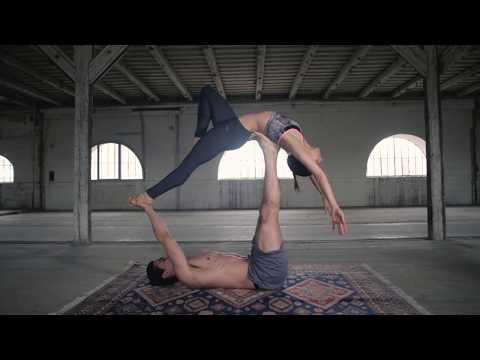 Acro Yoga flow