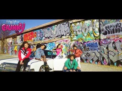 Bruno Mars - Chunky [Official Video]...