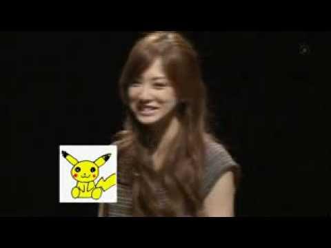 Keiko Kitagawa Imitando a Pikachu