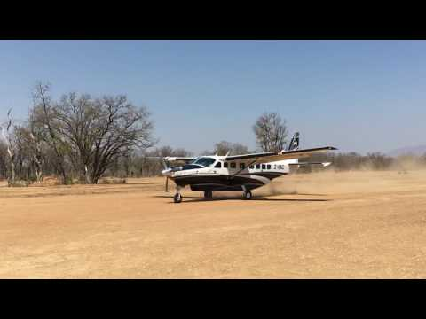 LunaJets' Safari - Cessna Grand Caravan Landing on a South African Airstrip