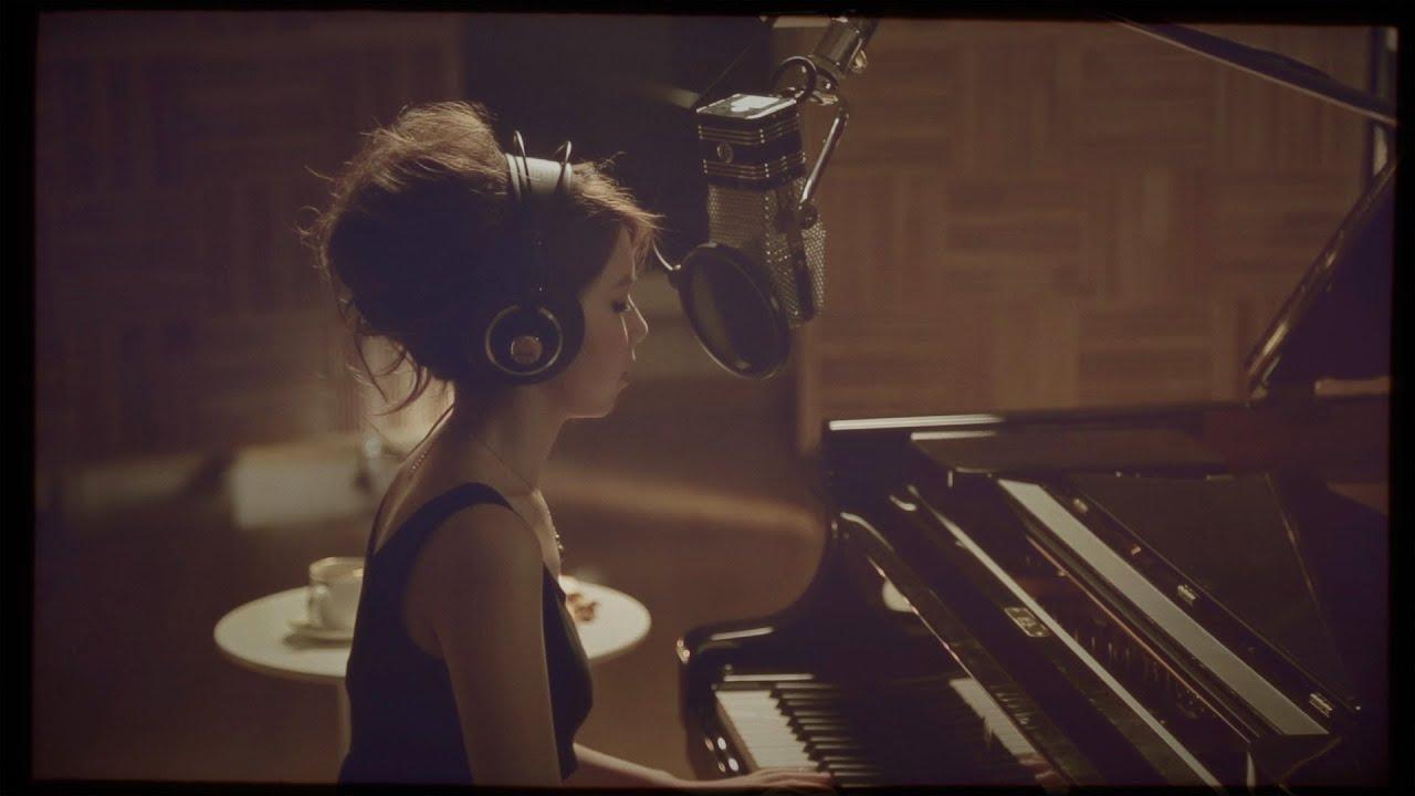 G.E.M. '是否' [HD] - LIVE PIANO SESSION PT 2/3 首播 鄧紫棋