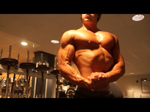 IFBB Pro Men's Physique Chest & Tricep Workout w/ Jeff Seid