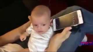 Keajaiban Al-Quran - Setelah didengarkan orang mengaji bayi ini berhenti menangis