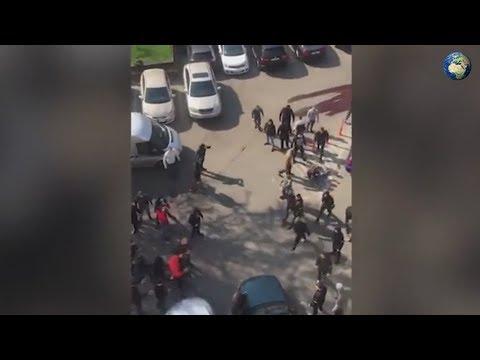 Украинские радикалы устроили массовую драку в Киеве