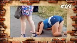 #69. Лучшие приколы. Пьяная малолетка(Самые лучшие видео приколы. Бабы весело паркуются во дворе. Прикольные подборки с шутками. Смешные прикол..., 2014-10-25T16:21:18.000Z)