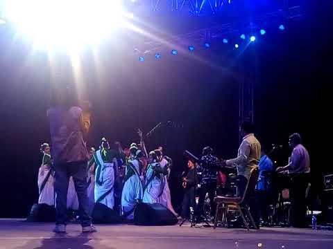 Bondhu Tin Din Tor Barit Gelam || Runa Laila || Bangabandhu National Stadium || Live