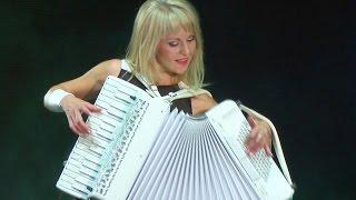 СМУГЛЯНКА Самые красивые аккордеонистки России дуэт ЛюбАня ACCORDION DUET LA