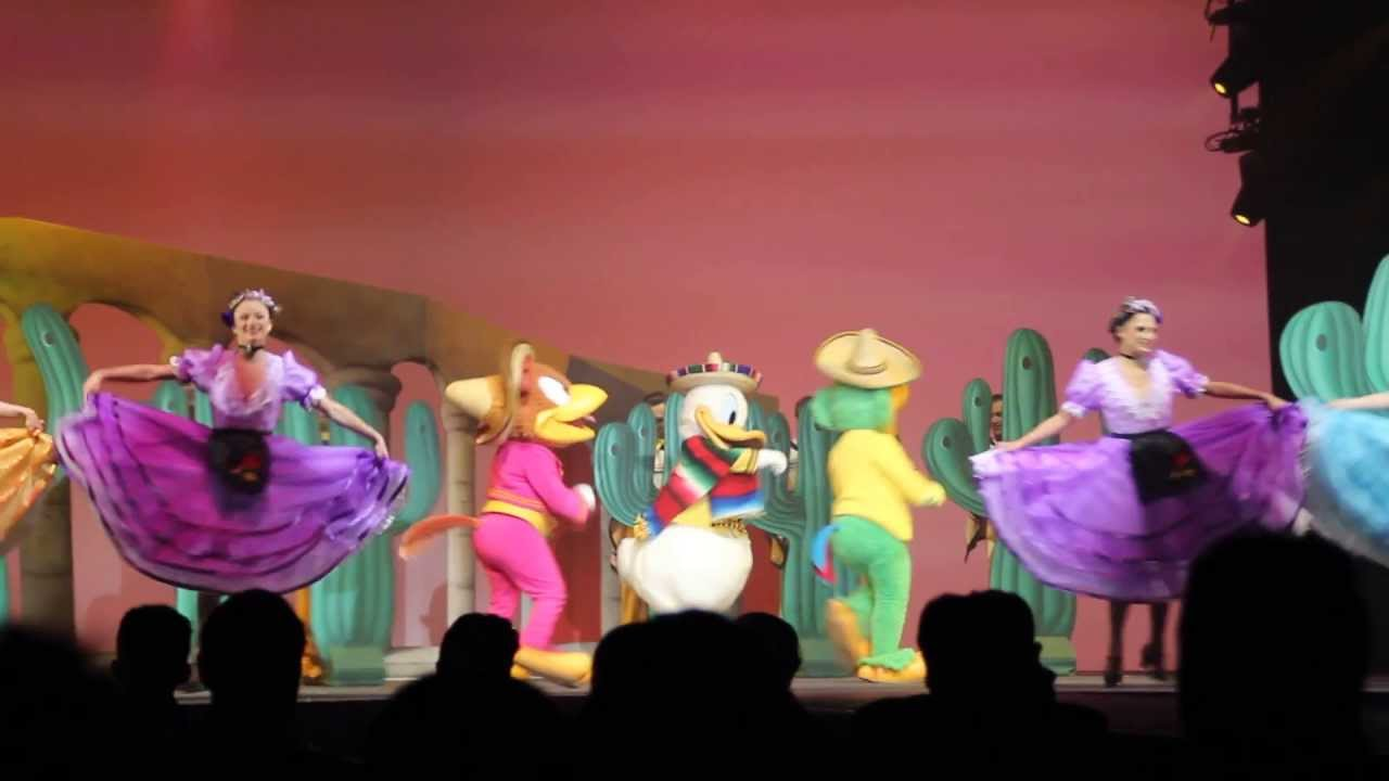 Disney dreamers show les trois caballeros 2013 disneyland paris