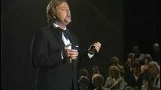 Juhani Markola - RAKKAUS ON KUIN ILMA