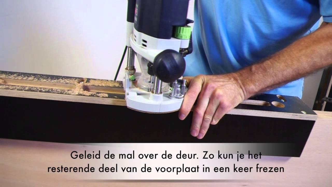 Beroemd Meerpuntsluiting freesmal - beslag in de deur frezen - YouTube OJ48