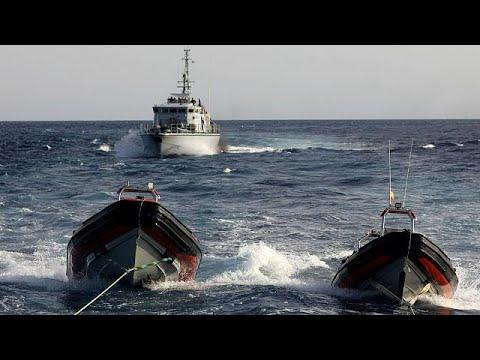 خفر السواحل الليبي يحتجز سفينة تابعة لجمعية إسبانية لمساعدة المهاجرين  - 10:21-2017 / 8 / 16