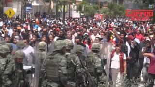 Desalojo de maestros del INE Huajuapan