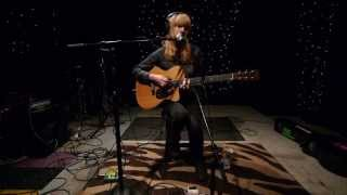Lucy Rose - Shiver (Live on KEXP)