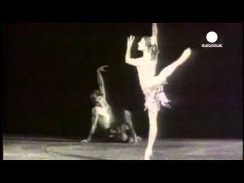 One the most famous ballet dancers in the world, Russian Maya Plisetskaya, dies of a heart attack |