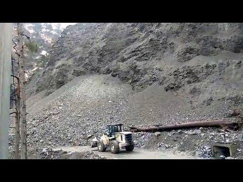 Jammu-Srinagar national highway continues to remain closed