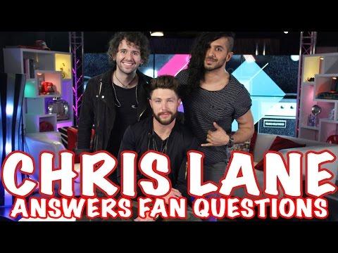 Country Singer Chris Lane Plays Emoji Game!