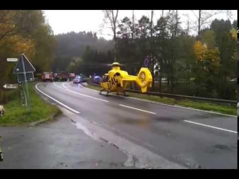 VU - RTH Christoph 25 startet in Finnentrop - Verkehrsunfall - Rettungshubschrauber take-off