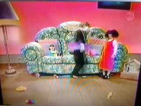 """Big Comfy Couch """"Fancy Dancer"""" 10 Second Tidy With Mildly High"""
