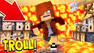 TROLLING A GIRL IN MINECRAFT! 😂
