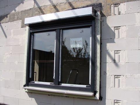 Montaż okien z roletami poza licem muru w warstwie ocieplenia