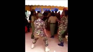 Wanajeshi wakicheza wimbo wa Diamond Platnumz ft Rayvanny Iyena x264