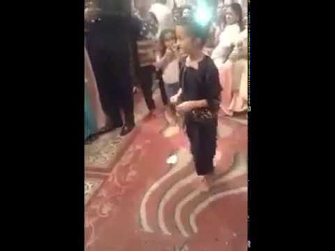 رقص مغربي شعبي لطفلة صغيرة thumbnail