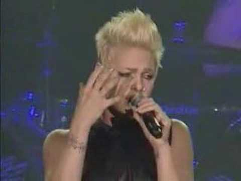PINK - just like a pill (live) great performance!!!