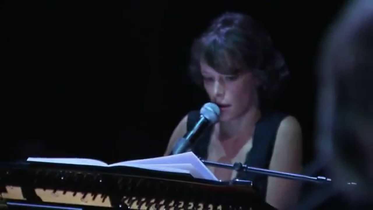 emily-loizeau-pale-blue-eyes-run-run-run-hommage-a-lou-reed-universal-music-france