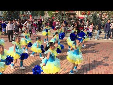 我在Disneyland 表演跳舞 (4K)