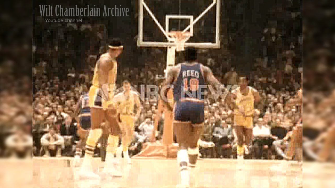 Willis Reed dunk over Happy Hairston, G3 1970 NBA Finals - YouTube