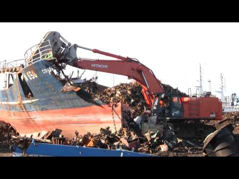Hitachi Zaxis 670 LCH With HKS Scrap Shear Dismantling A Ship