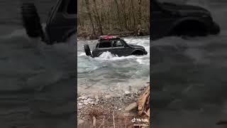 Российский автопром рулит нива клас