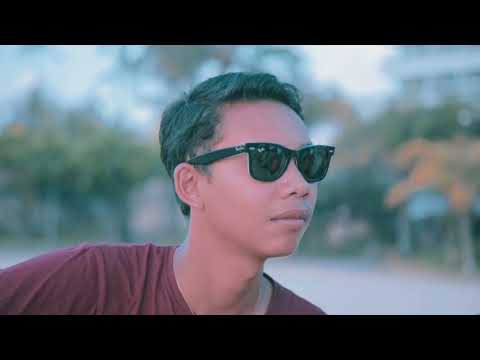 Yessy Diana - Pade Ngelahang (Cover Video)