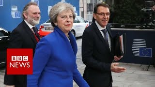 EU leaders agree Brexit deal - BBC News