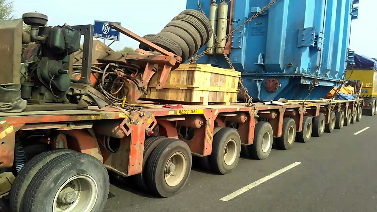 Volvo Truck Pulling Longest Trailer With Heavy Load In India More Than 110 Tyres Youtube