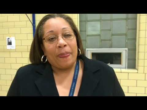 Superintendent should stay, board VP says