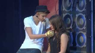 Repeat youtube video Justin Bieber One Less Lonely Girl Live Montreal 2012 HD 1080P