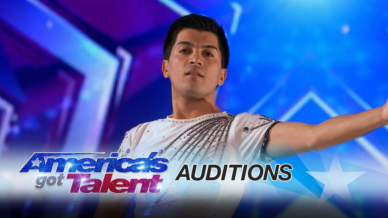Americas got talent 2017 male singer - Jonathan Rinny Man Performs Dangerous Rolla Bolla America S Got Talent 2017