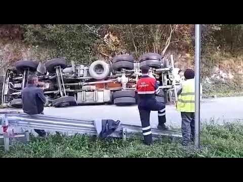 Fallece un hombre de 53 años en A Pontenova al volcar una hormigonera